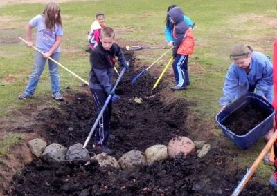 Community-wide Stewardship Projects to Benefit the Looking Glass Watershed at Scott Elementary School